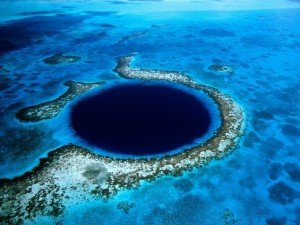 Caye Caulker blue-hole_-lighthouse-reef_-belize-300x225